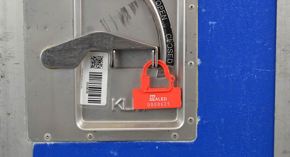 Trolley verzegeld met padlock seal